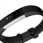 アクティブな女性にぴったり!スリムでおしゃれなのに心拍数も計測できる「Fitbit Alta HR」